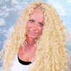 Frau mit lockigen Open Braids (French Deep)